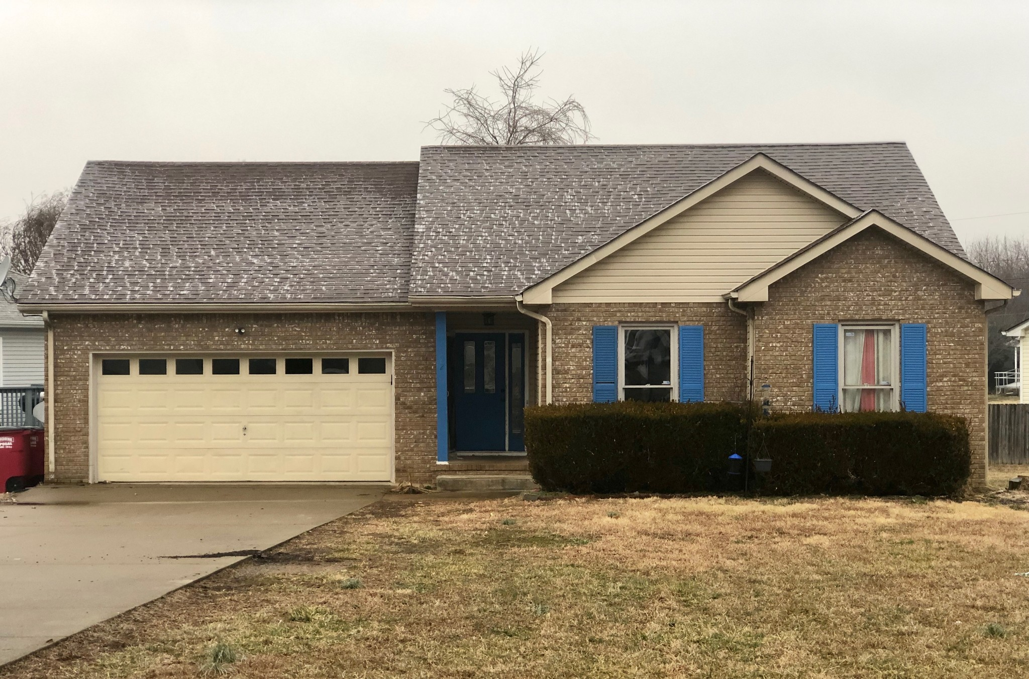 3205 S Senseney Cir Property Photo - Clarksville, TN real estate listing