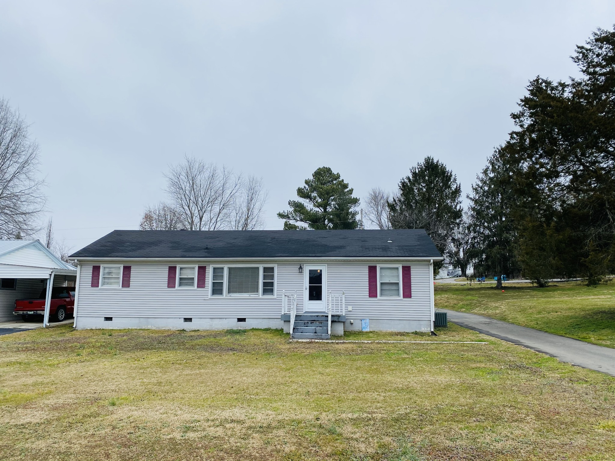 106 W Adams St Property Photo - Woodbury, TN real estate listing