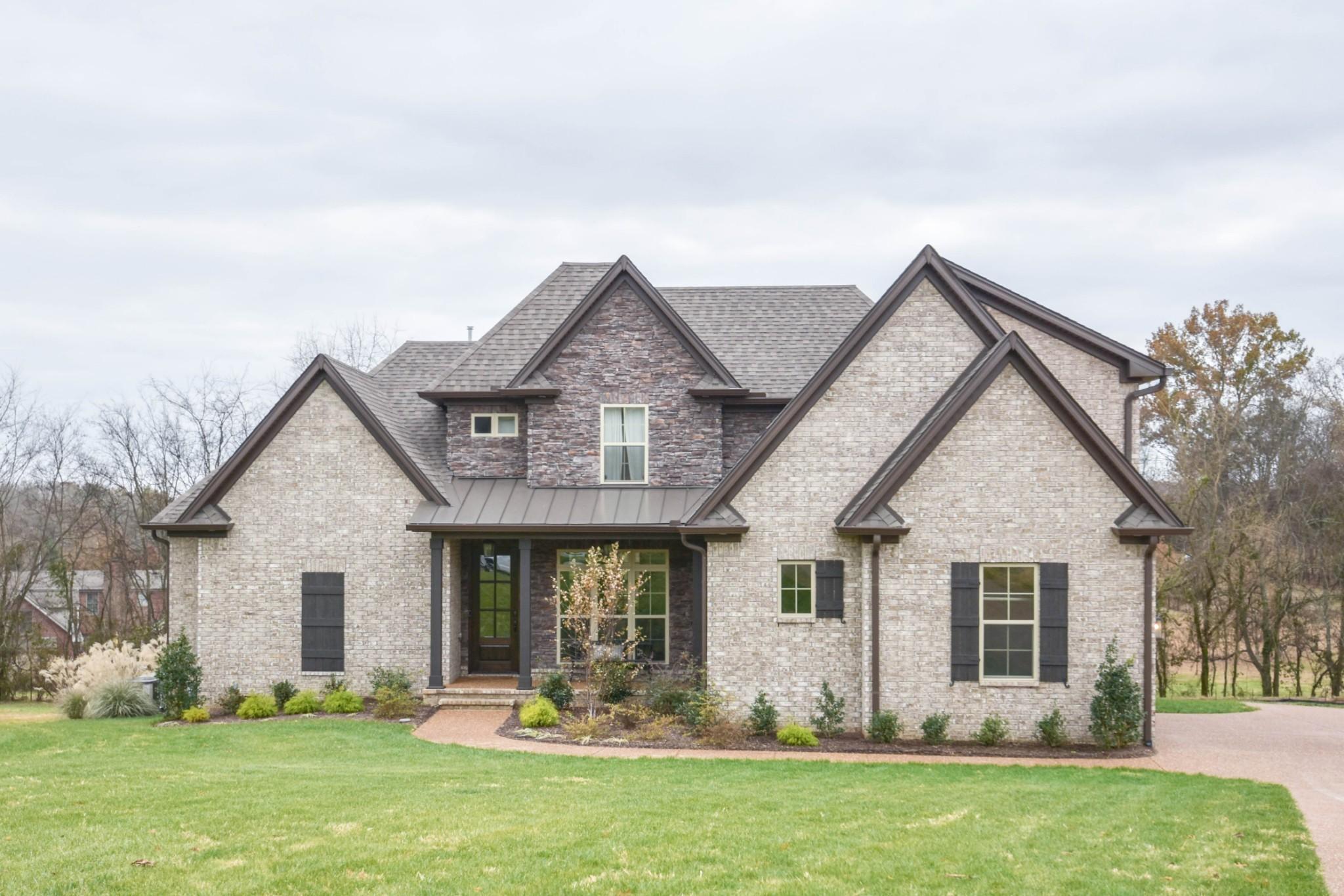1090 Dorset Drive Property Photo - Hendersonville, TN real estate listing