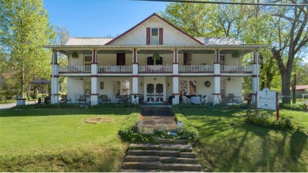 321 E Main St Property Photo - Red Boiling Springs, TN real estate listing