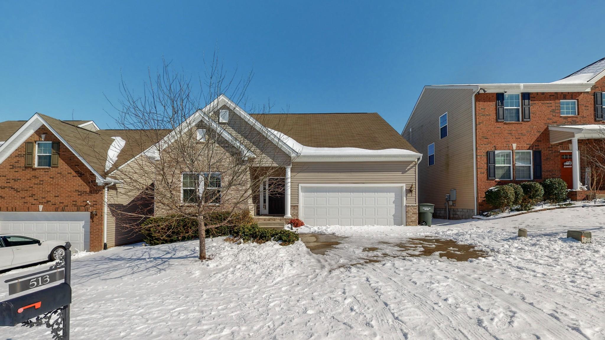 513 Wolfeboro Ln Property Photo