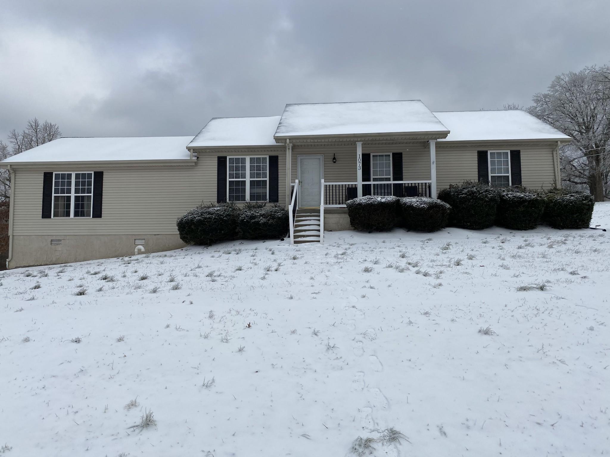 1073 Lake Rd Property Photo