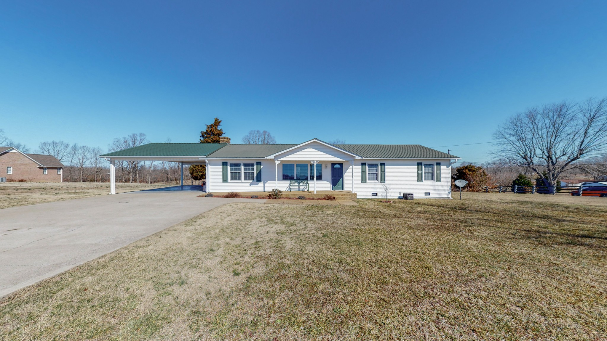 1390 Cooley Ford Rd Property Photo - Tennessee Ridge, TN real estate listing