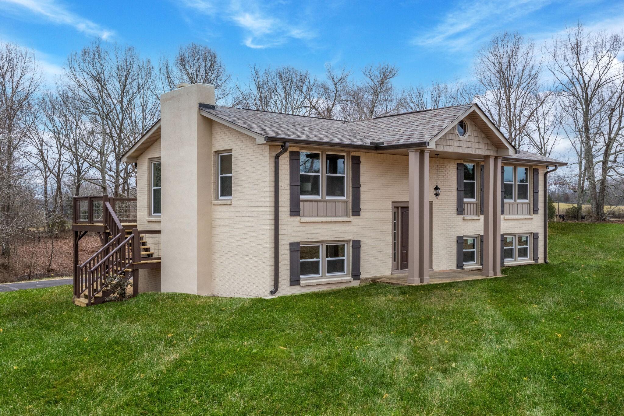 2016 Abiff Road Property Photo - Burns, TN real estate listing