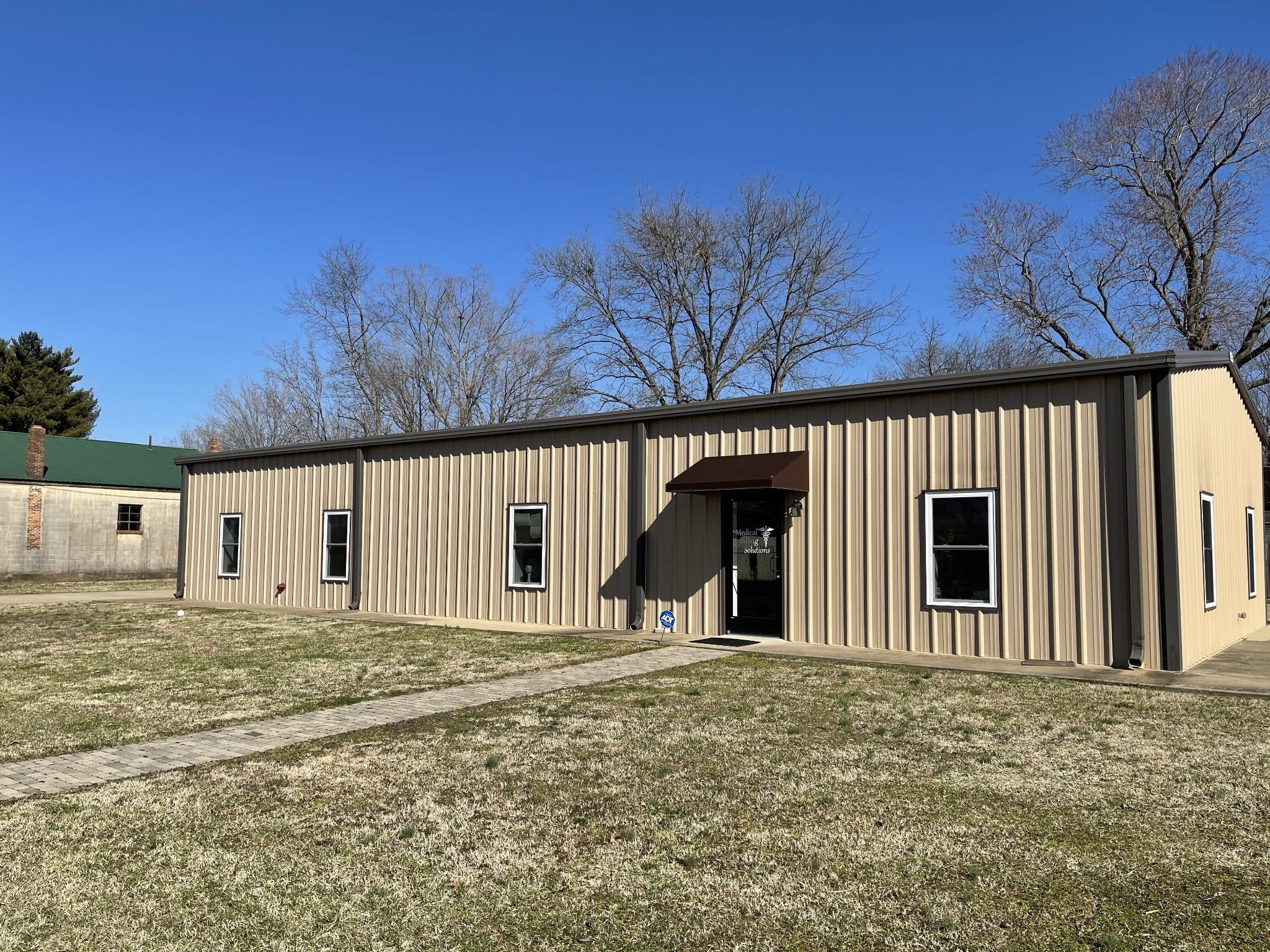 220 Hughes St Property Photo - Lawrenceburg, TN real estate listing