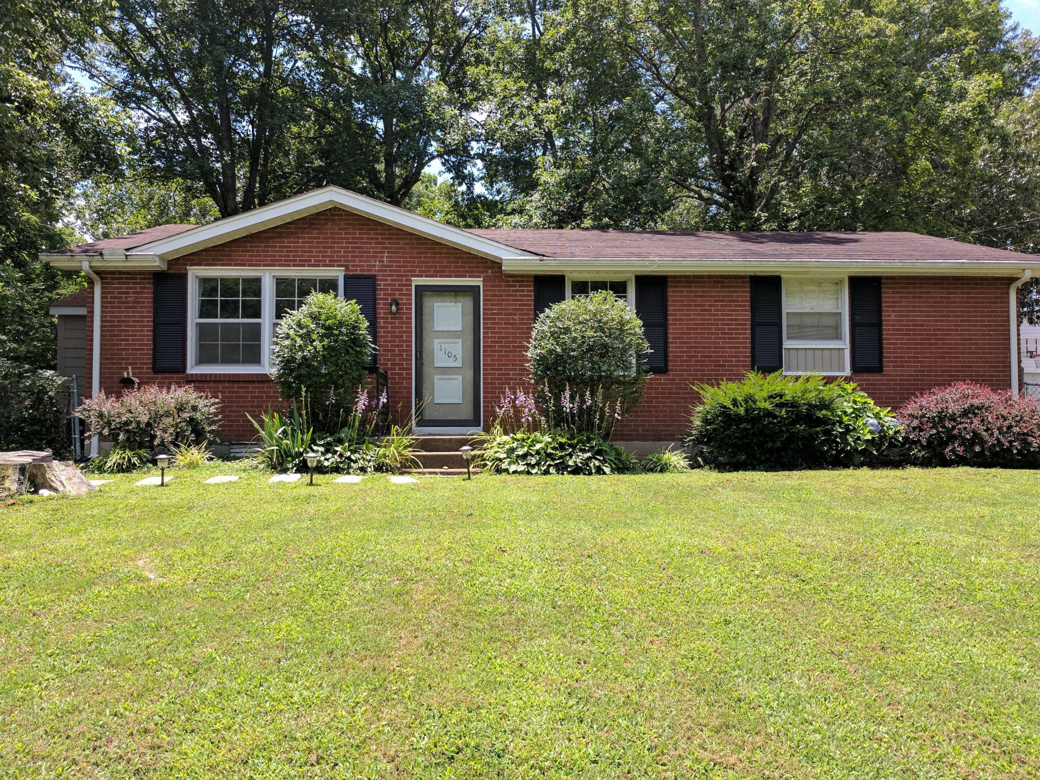 1105 Copper Still Circle Property Photo - Kingston Springs, TN real estate listing