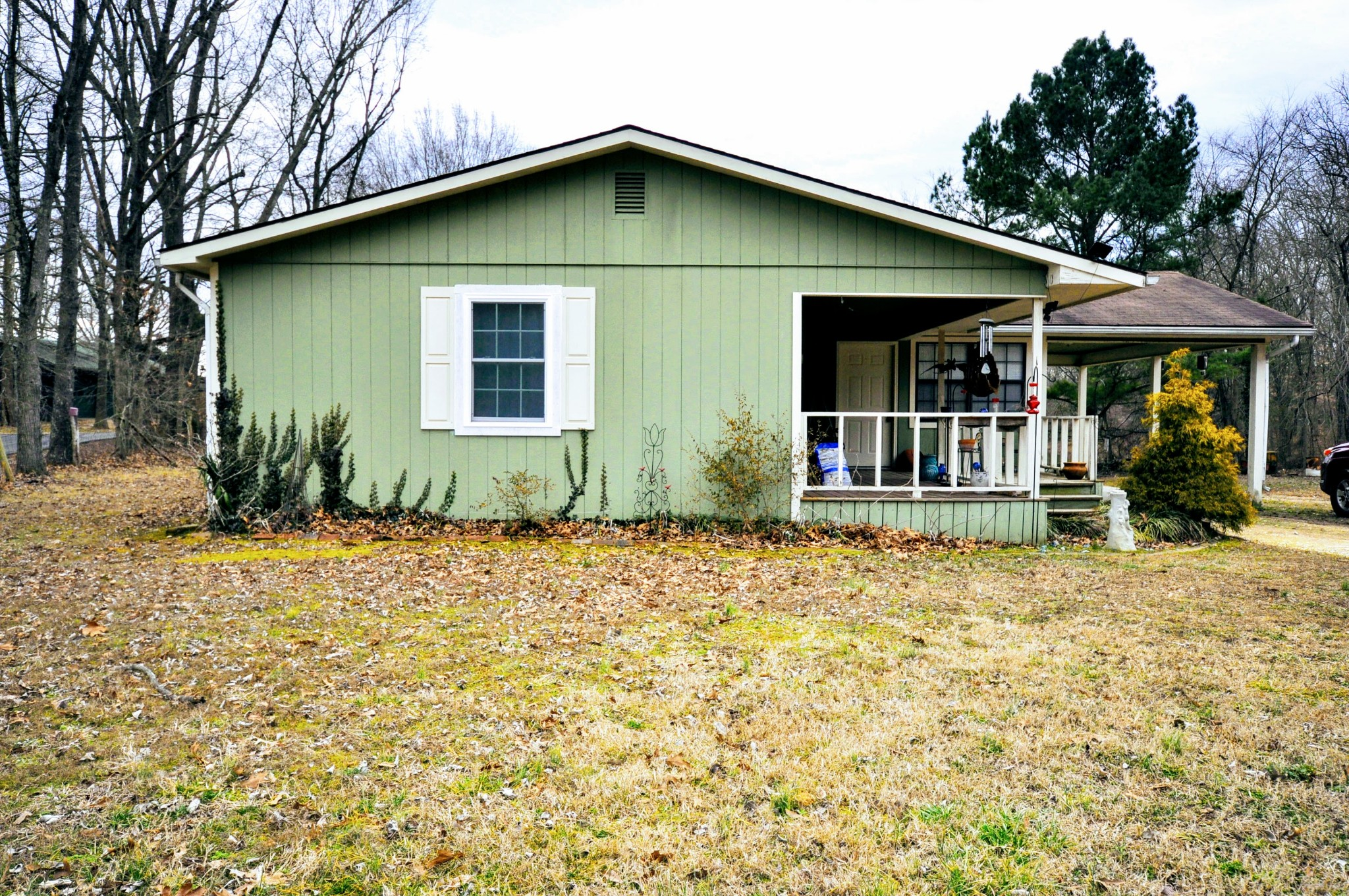 290 Lakeview Manor Rd Property Photo - Springville, TN real estate listing