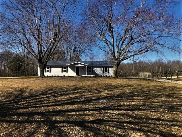 4927 Rocky Mound Rd Property Photo - Westmoreland, TN real estate listing