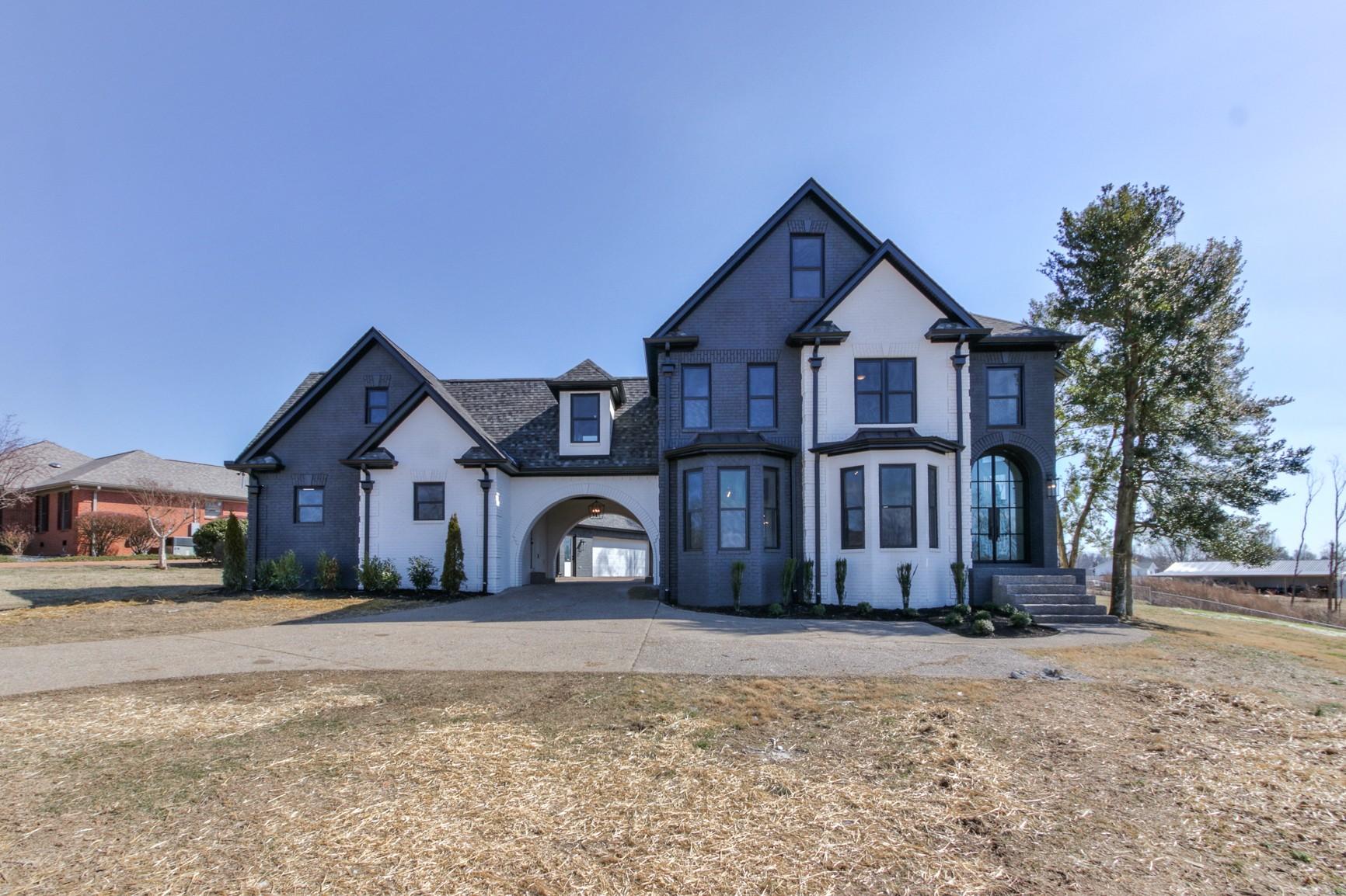 2011 Dorchester Dr Property Photo