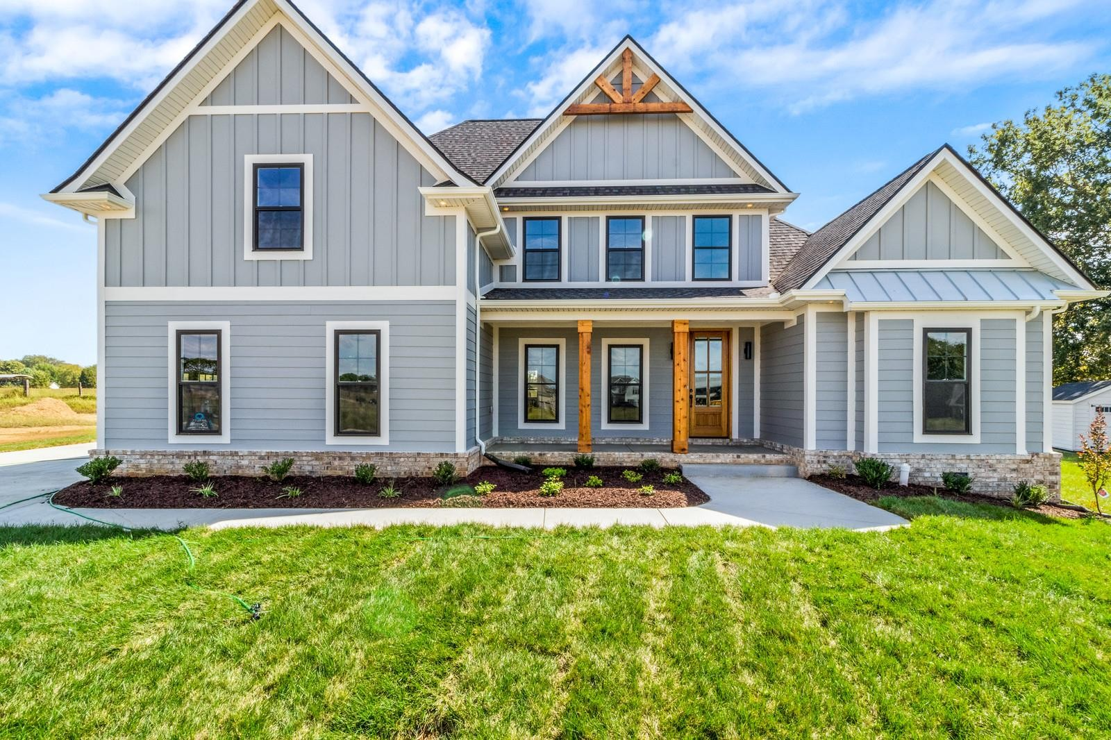 336 Ellington Dr Property Photo - Clarksville, TN real estate listing