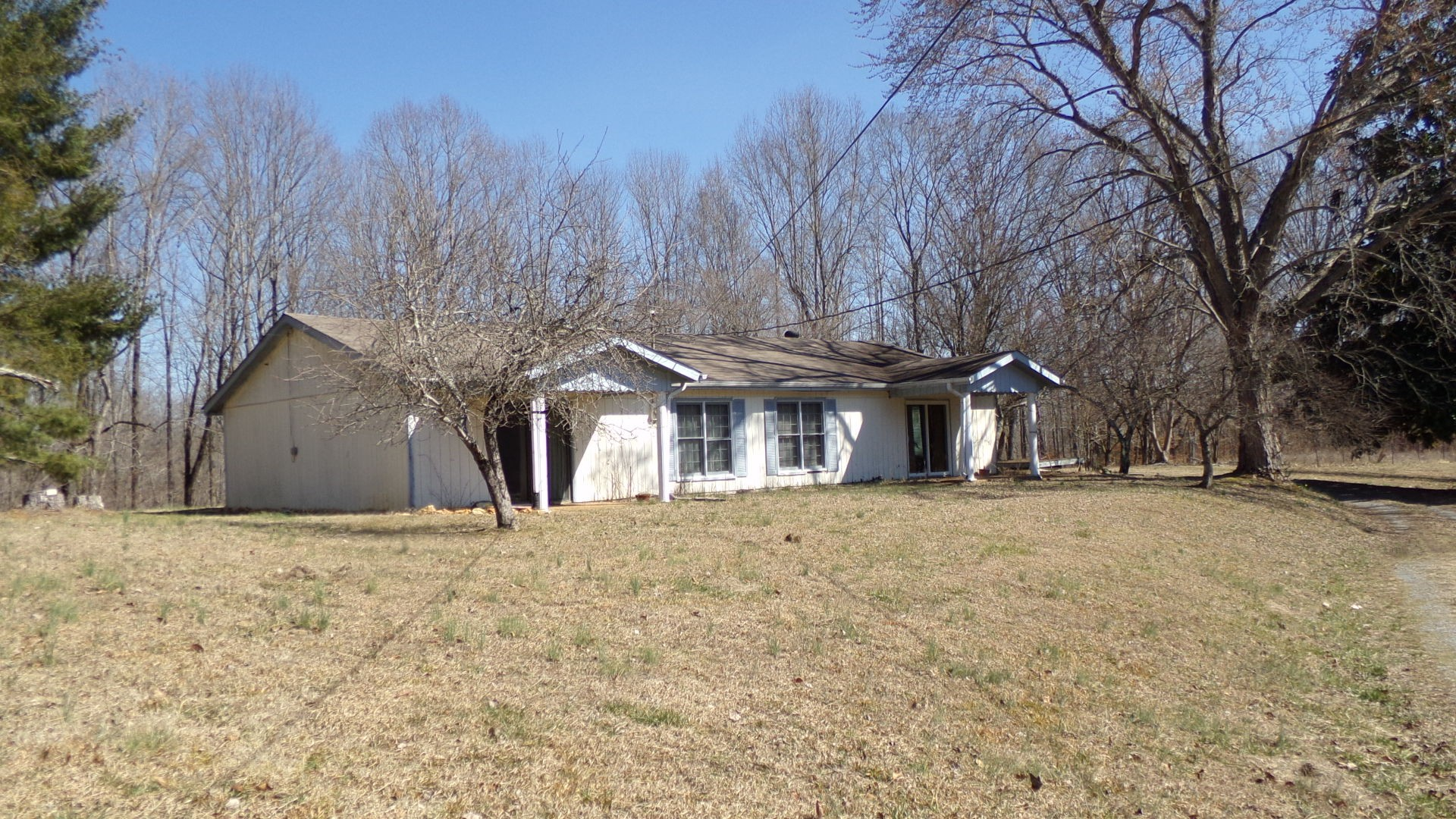 831 Damron Rd Property Photo - Estill Springs, TN real estate listing