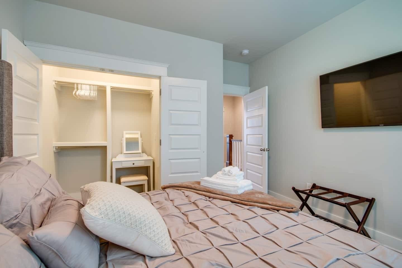 210 N 9th St #1 Property Photo - Nashville, TN real estate listing