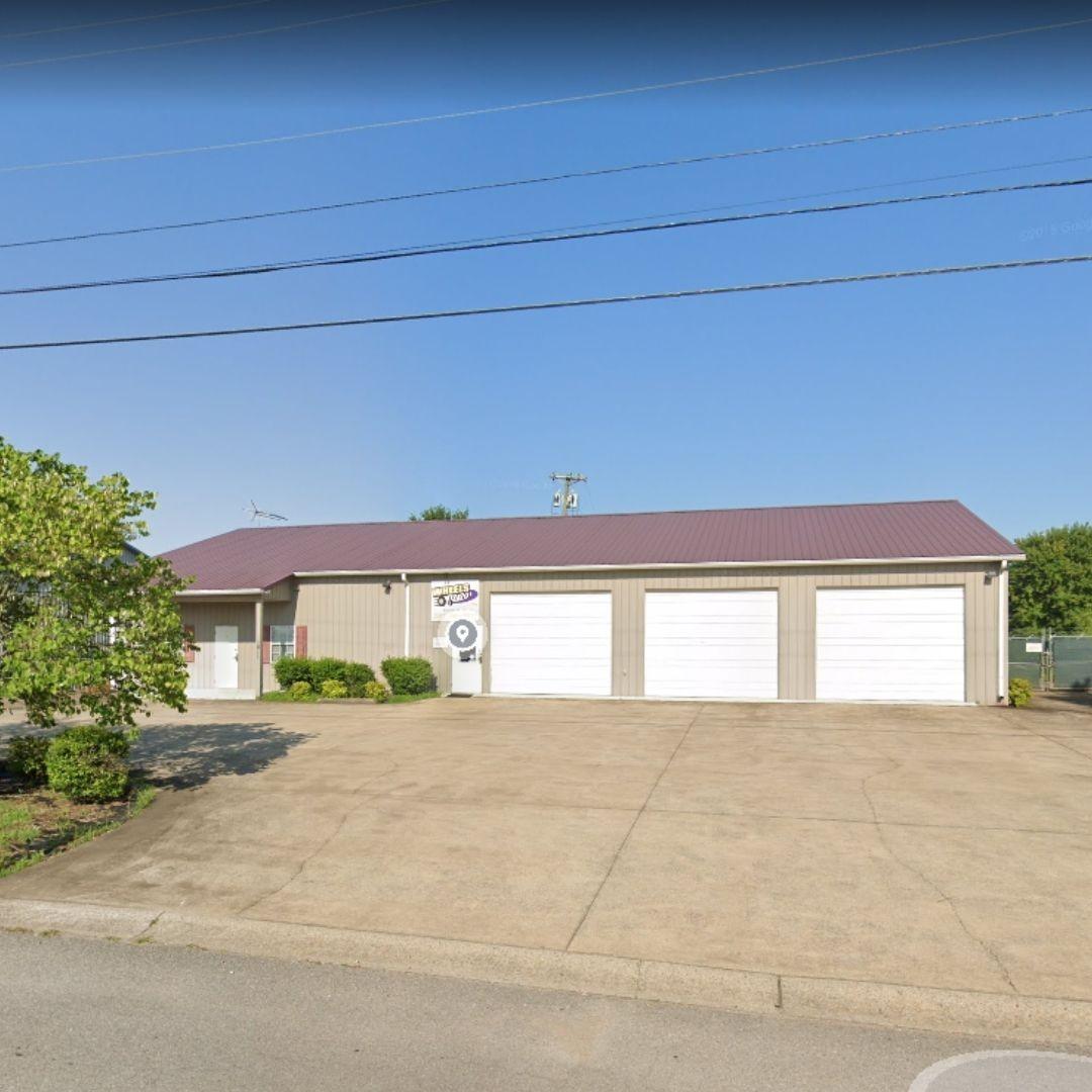 1811 Alpine Dr Property Photo - Clarksville, TN real estate listing