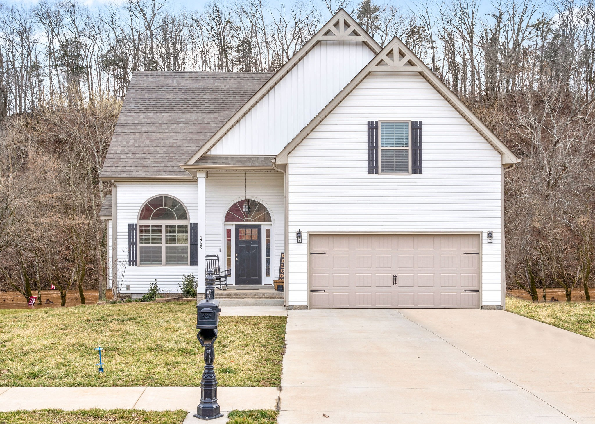 1725 Rains Rd Property Photo - Clarksville, TN real estate listing