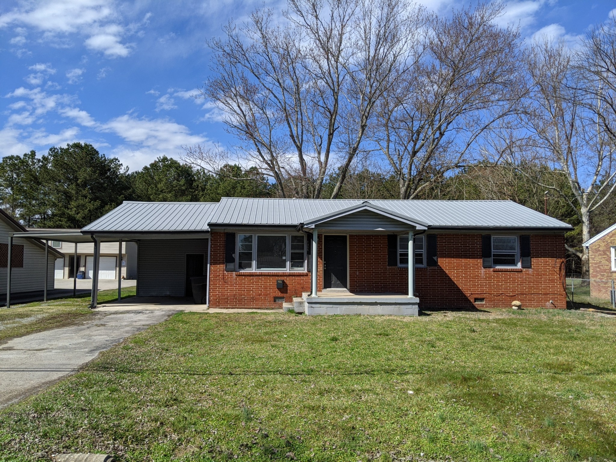 1305 E Grundy St Property Photo - Tullahoma, TN real estate listing