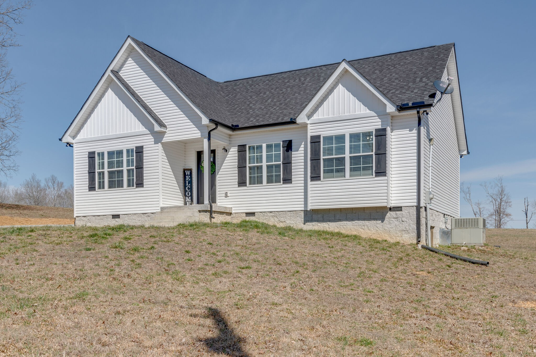 881 Hooper Rd Property Photo - Charlotte, TN real estate listing