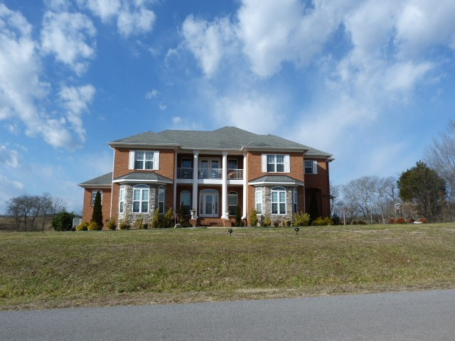 141 Tom Walker Dr Property Photo - Beechgrove, TN real estate listing