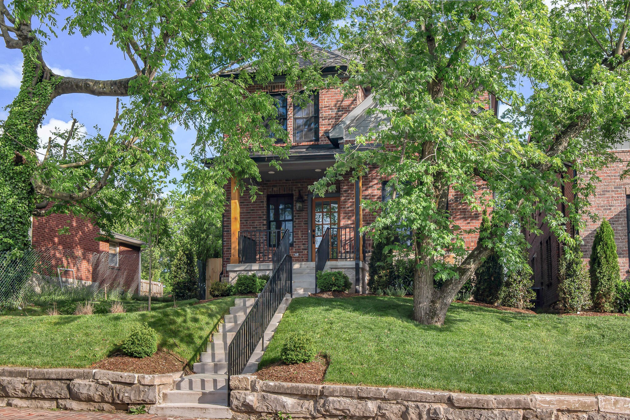 924 Russell St Property Photo - Nashville, TN real estate listing