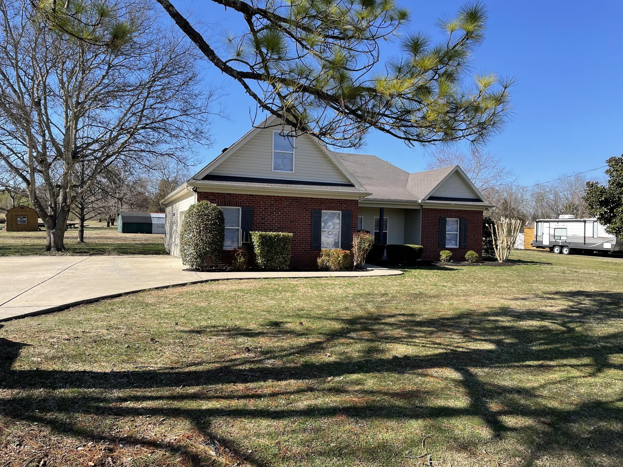 111 Parrish St Property Photo - LA VERGNE, TN real estate listing