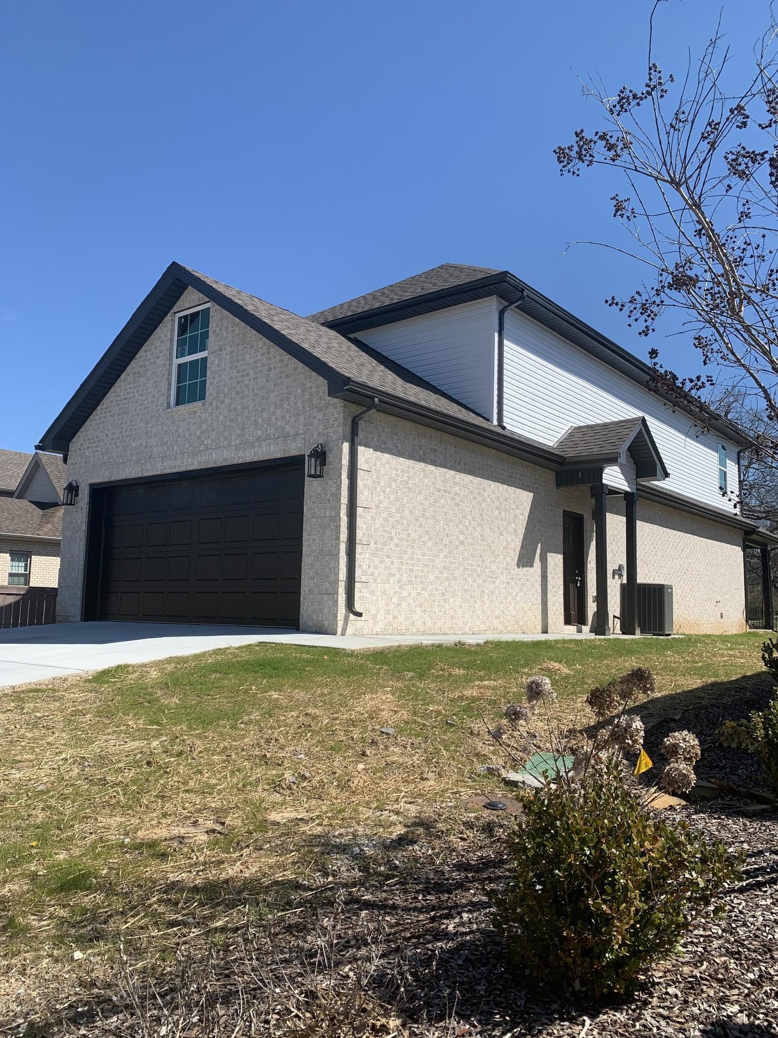 306 Celebration St Property Photo - Shelbyville, TN real estate listing