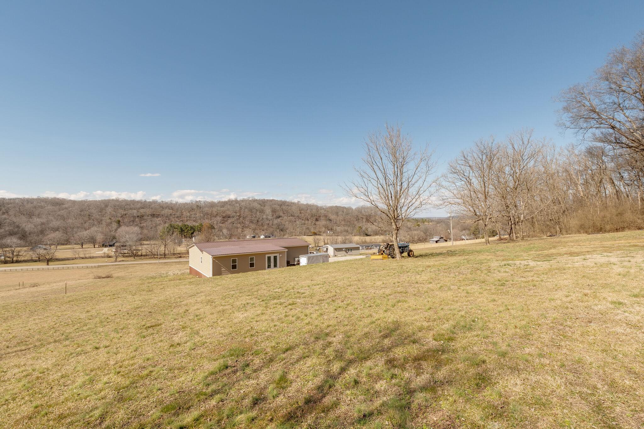 8391 Lawrenceburg Hwy Property Photo - Mount Pleasant, TN real estate listing