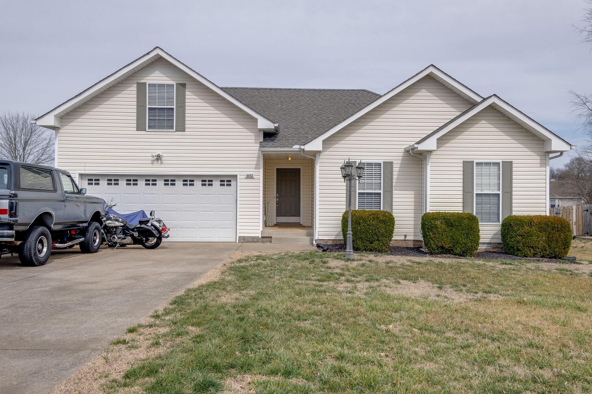 4052 New Grange Cir Property Photo - Clarksville, TN real estate listing