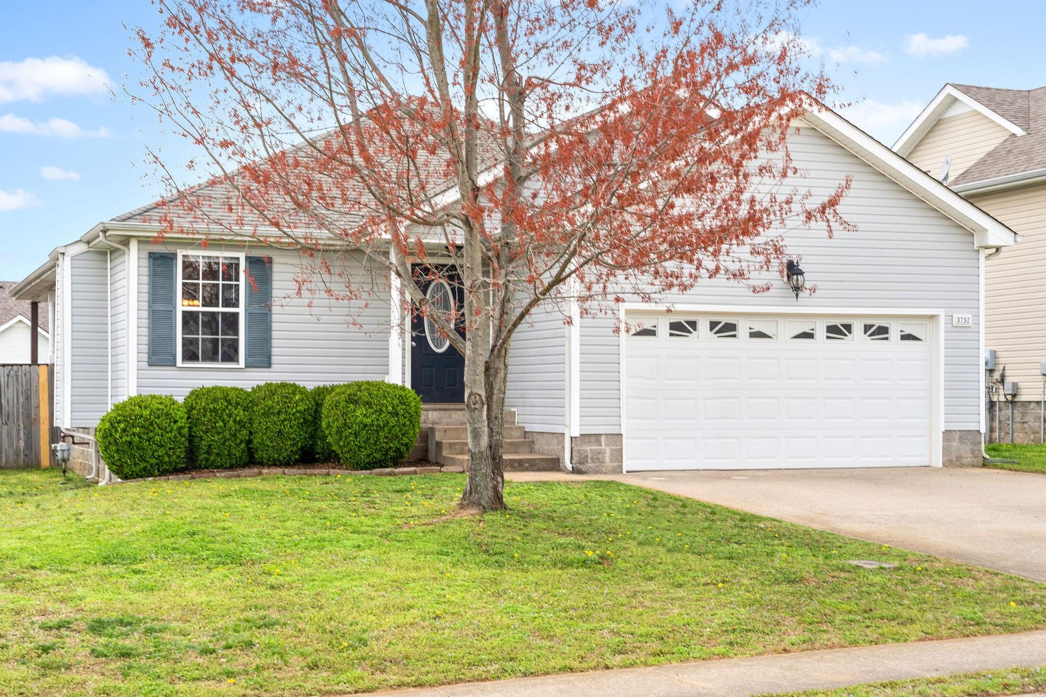 3752 N Jot Dr Property Photo - Clarksville, TN real estate listing