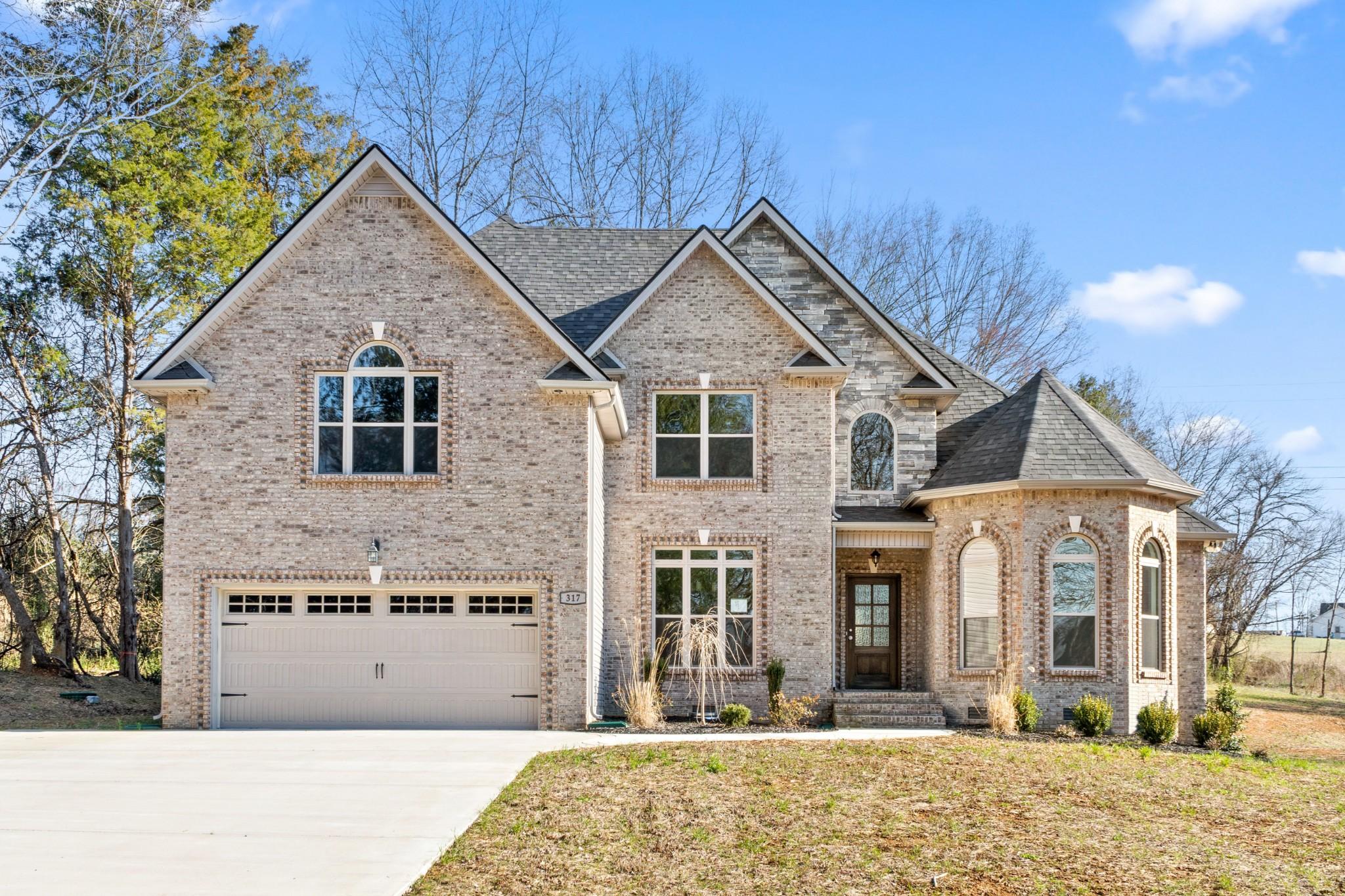 211 Autumnwood Property Photo - Clarksville, TN real estate listing