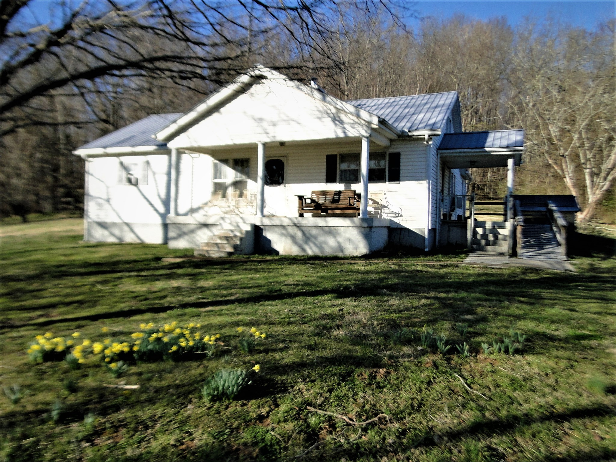 4594 Hwy 64 E Property Photo - Wartrace, TN real estate listing