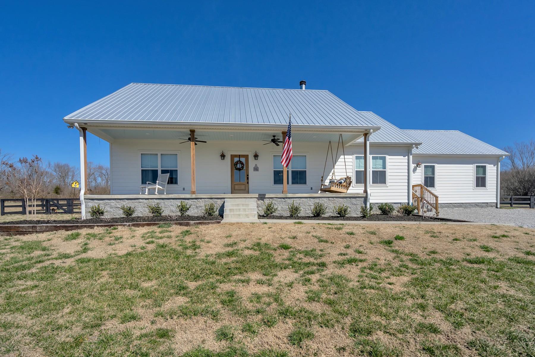 1687 Porter Rd Property Photo - Burns, TN real estate listing