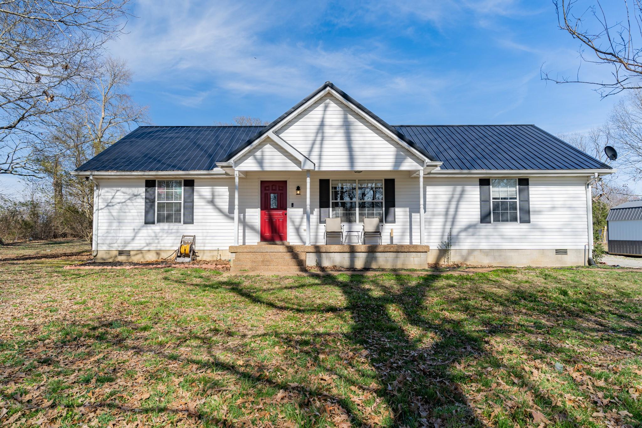 2431 Summer Oaks Cir Property Photo - Summertown, TN real estate listing