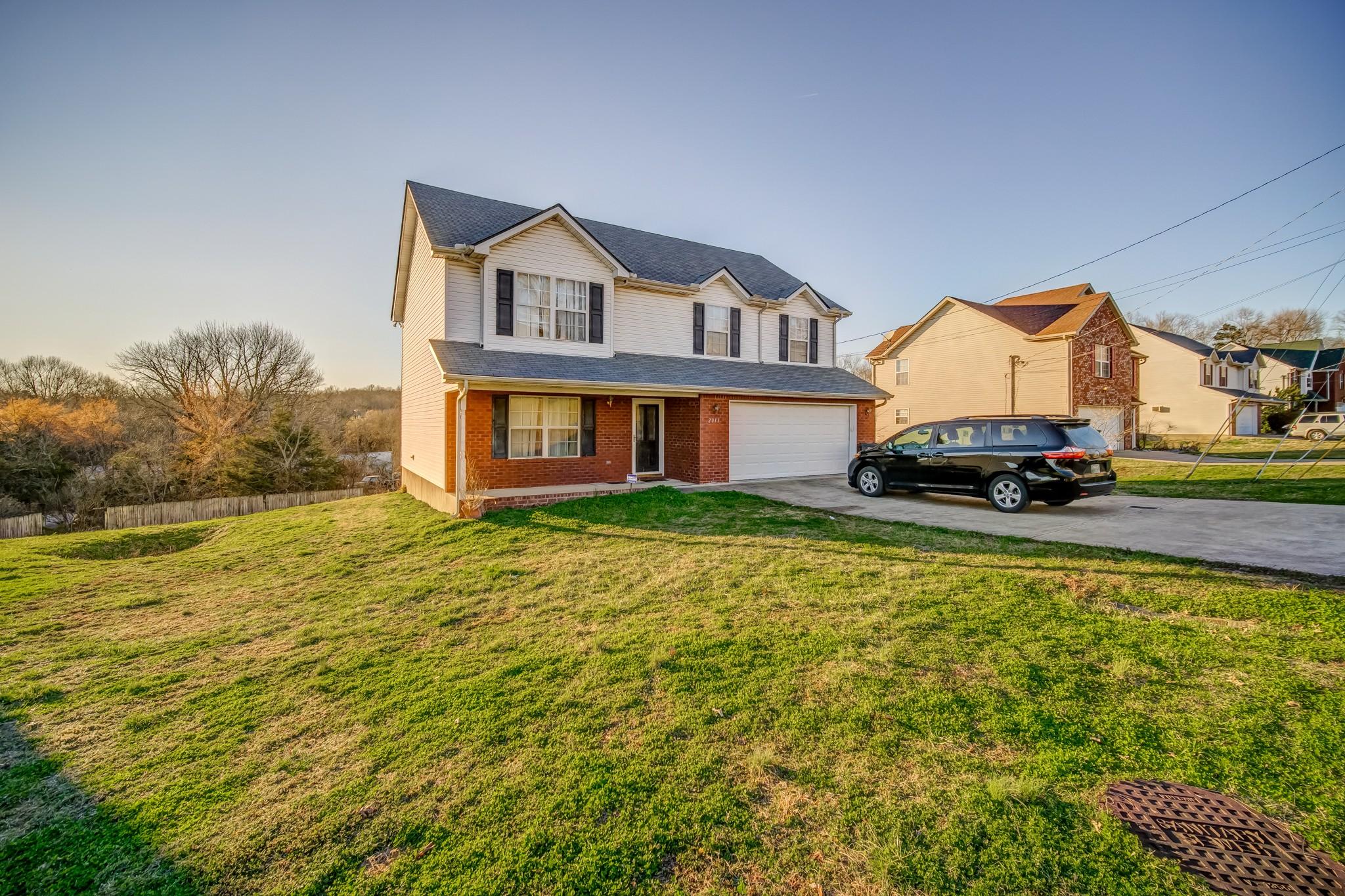 2013 Summit Ln Property Photo - LA VERGNE, TN real estate listing