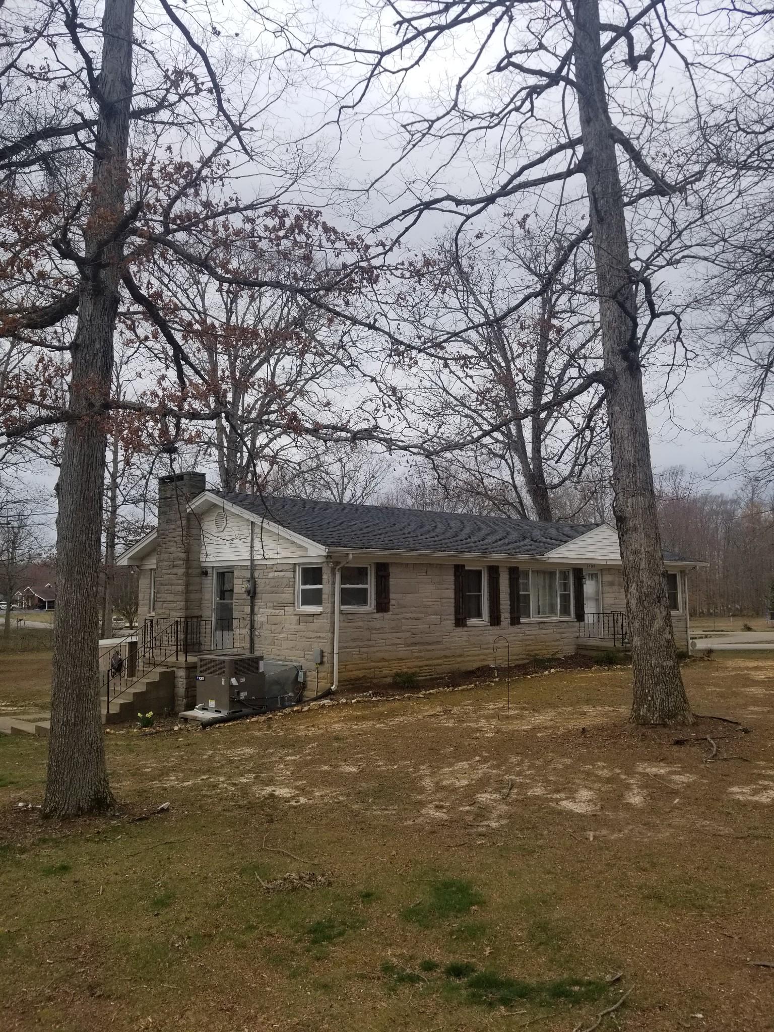 1409 Hillwood Cir Property Photo - Lafayette, TN real estate listing