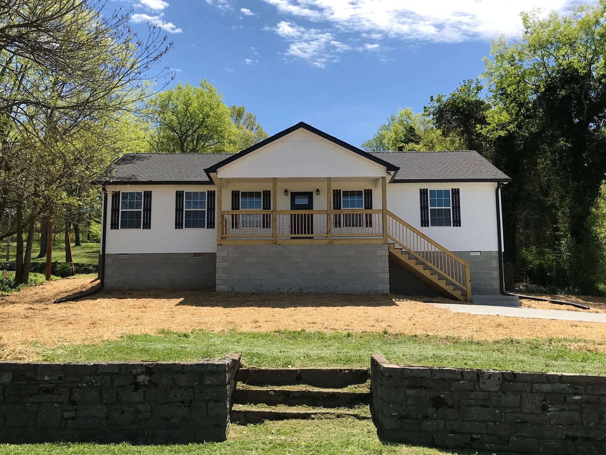 313 W Main St Property Photo - Hartsville, TN real estate listing