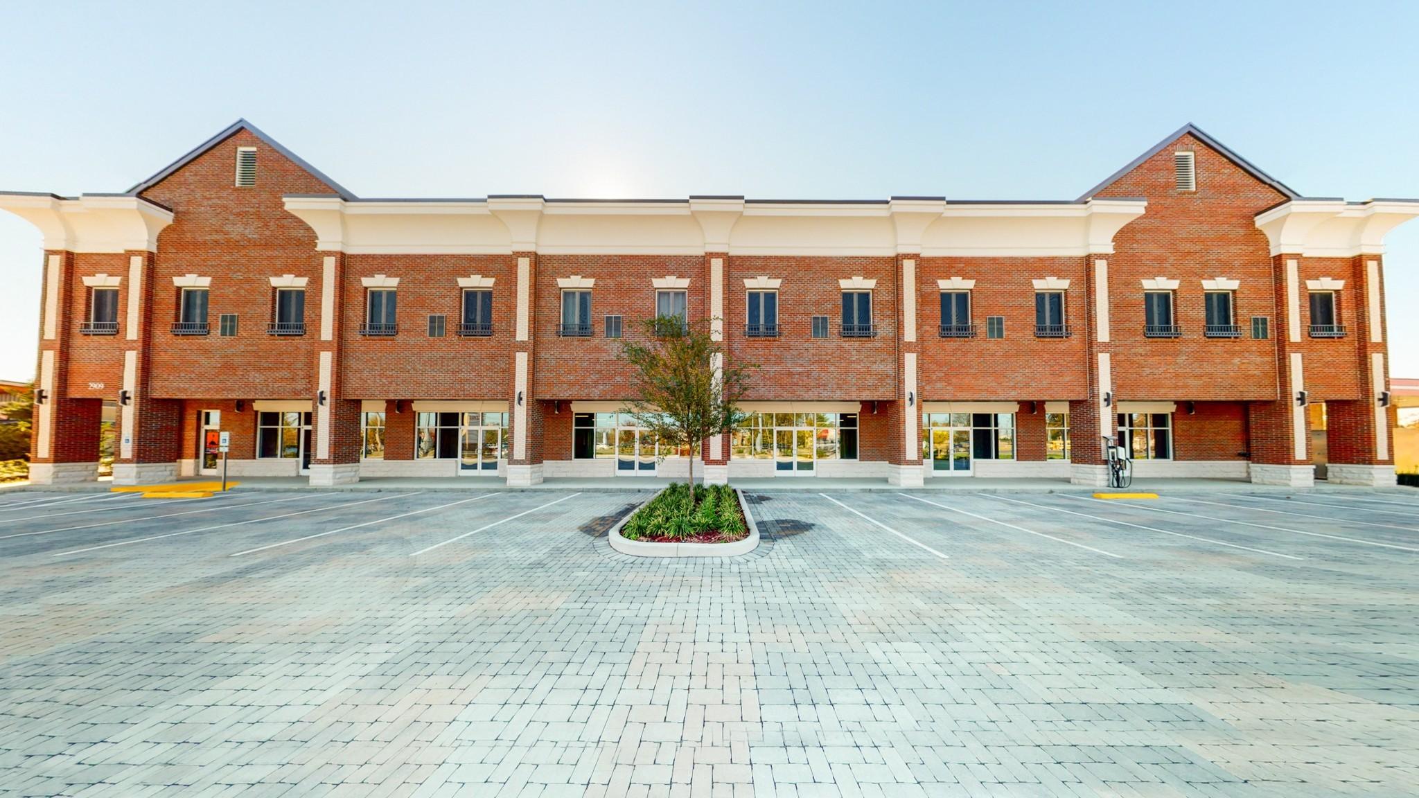 Autumn Plaza Real Estate Listings Main Image