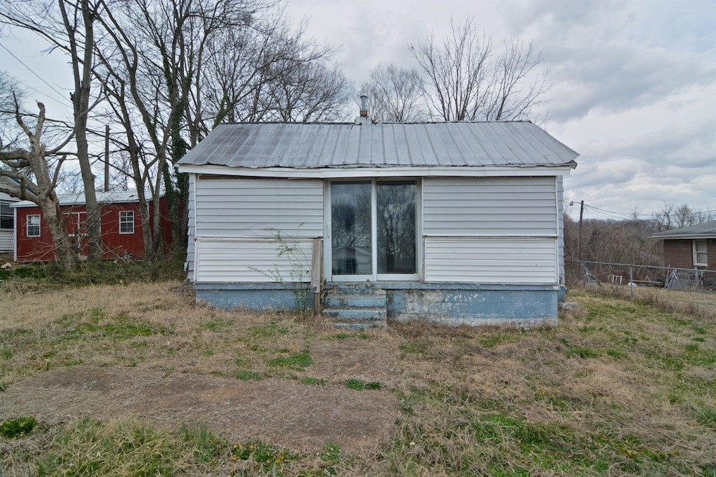 107 Duncan St Property Photo - Clarksville, TN real estate listing