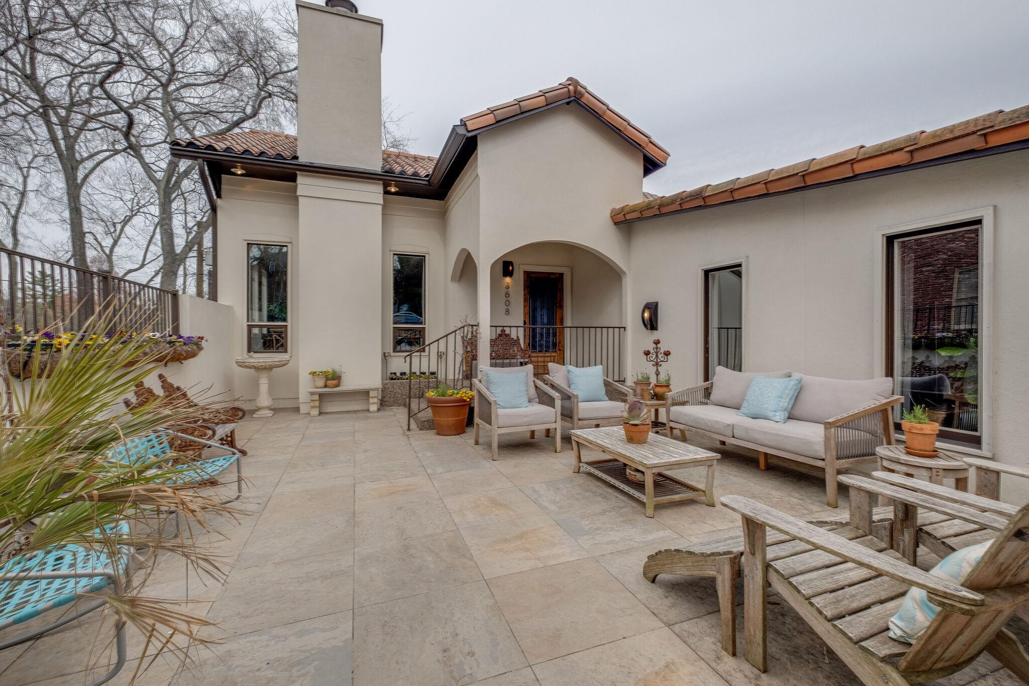 Bellwood Real Estate Listings Main Image