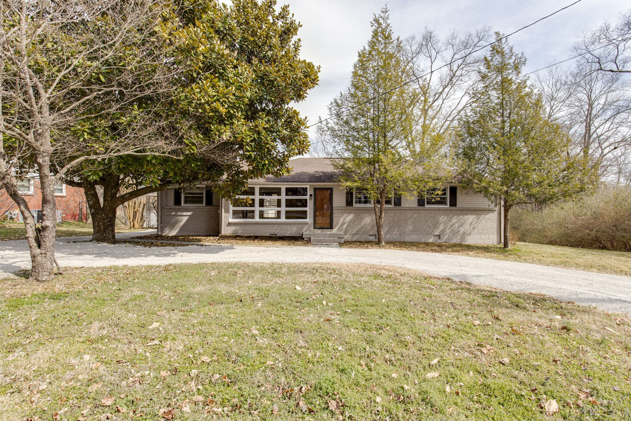 605 Belaire Dr Property Photo