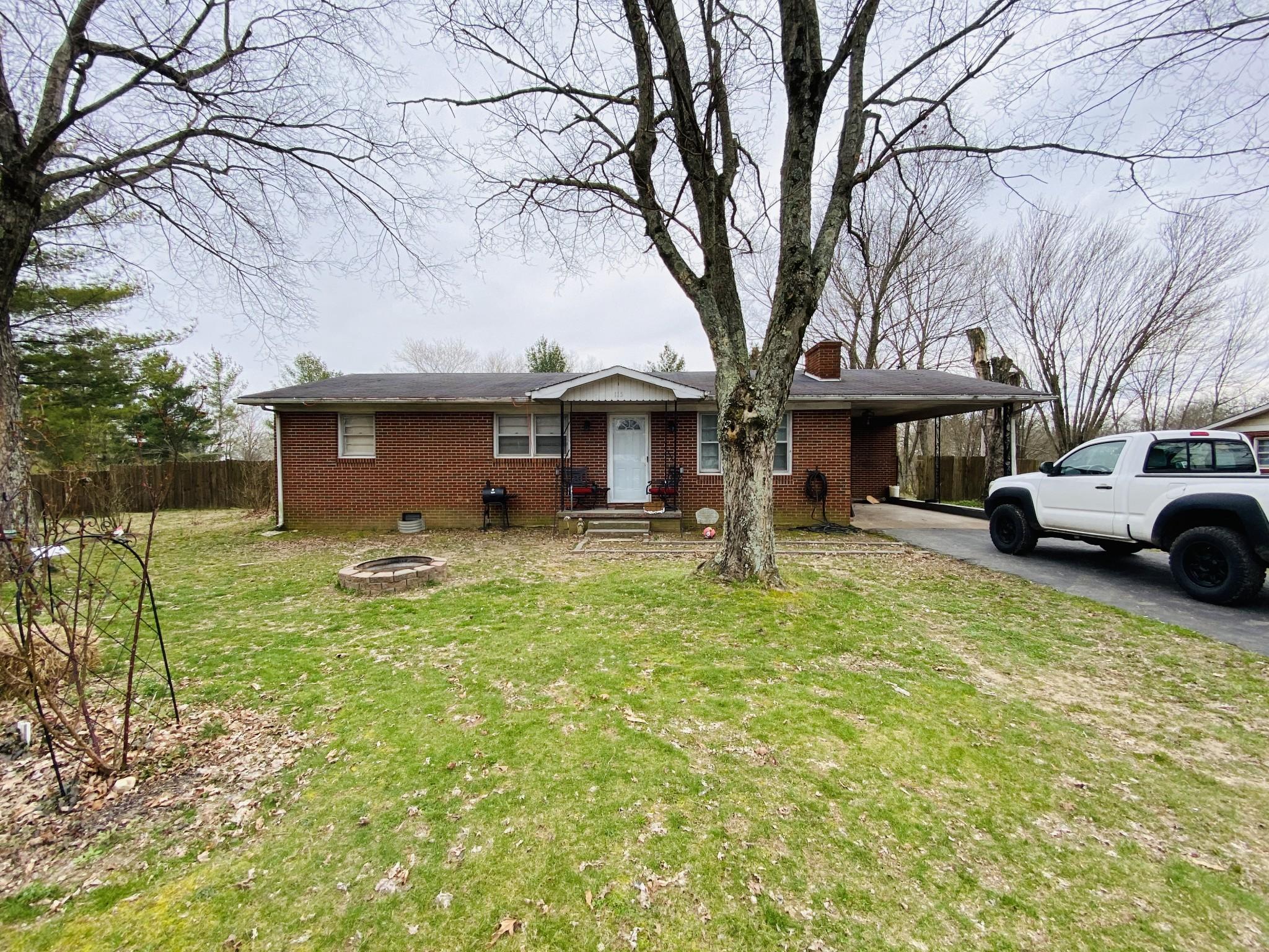 115 Hurricane Loop Property Photo - Tennessee Ridge, TN real estate listing