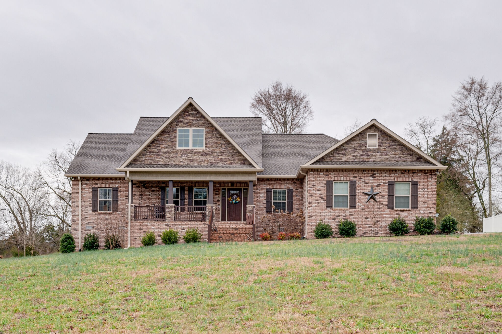 735 Thoroughbred Ln Property Photo - Hartsville, TN real estate listing