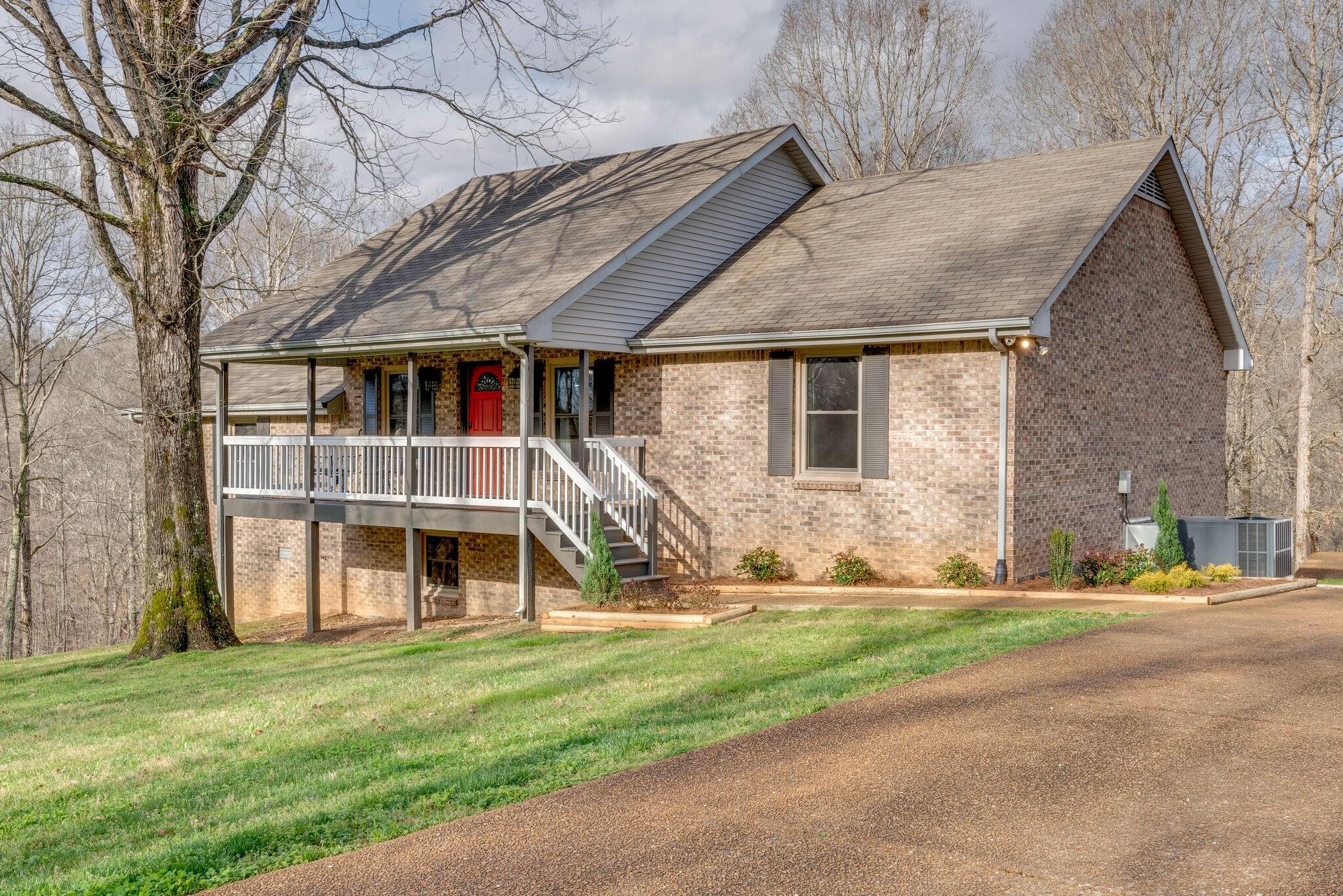 Bateman Roger Real Estate Listings Main Image