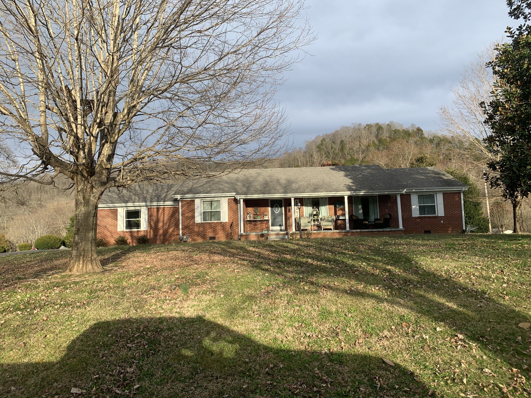 204 Theater Dr Property Photo - Celina, TN real estate listing