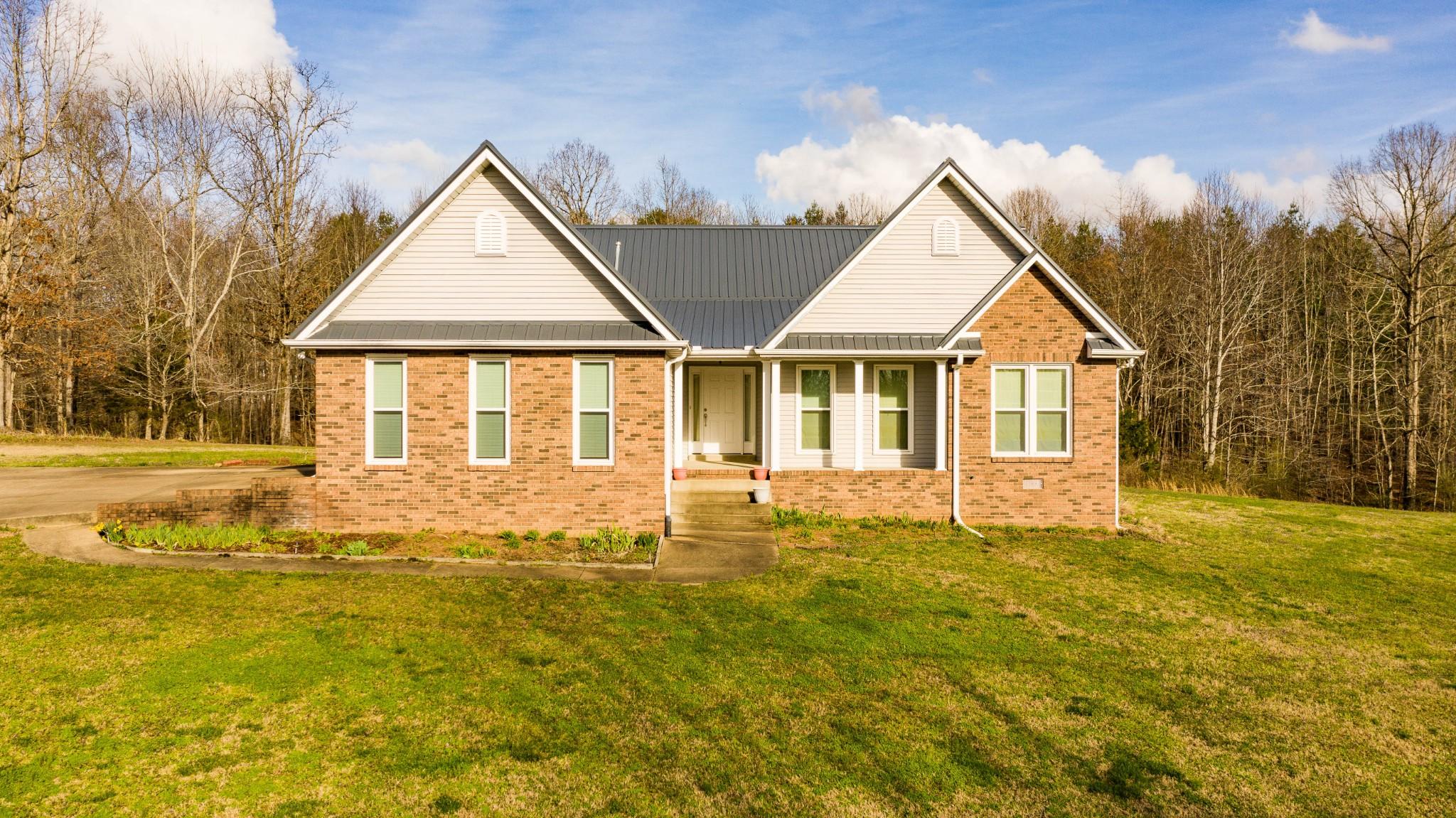 6003 Gray Fox Lane Property Photo - Nunnelly, TN real estate listing