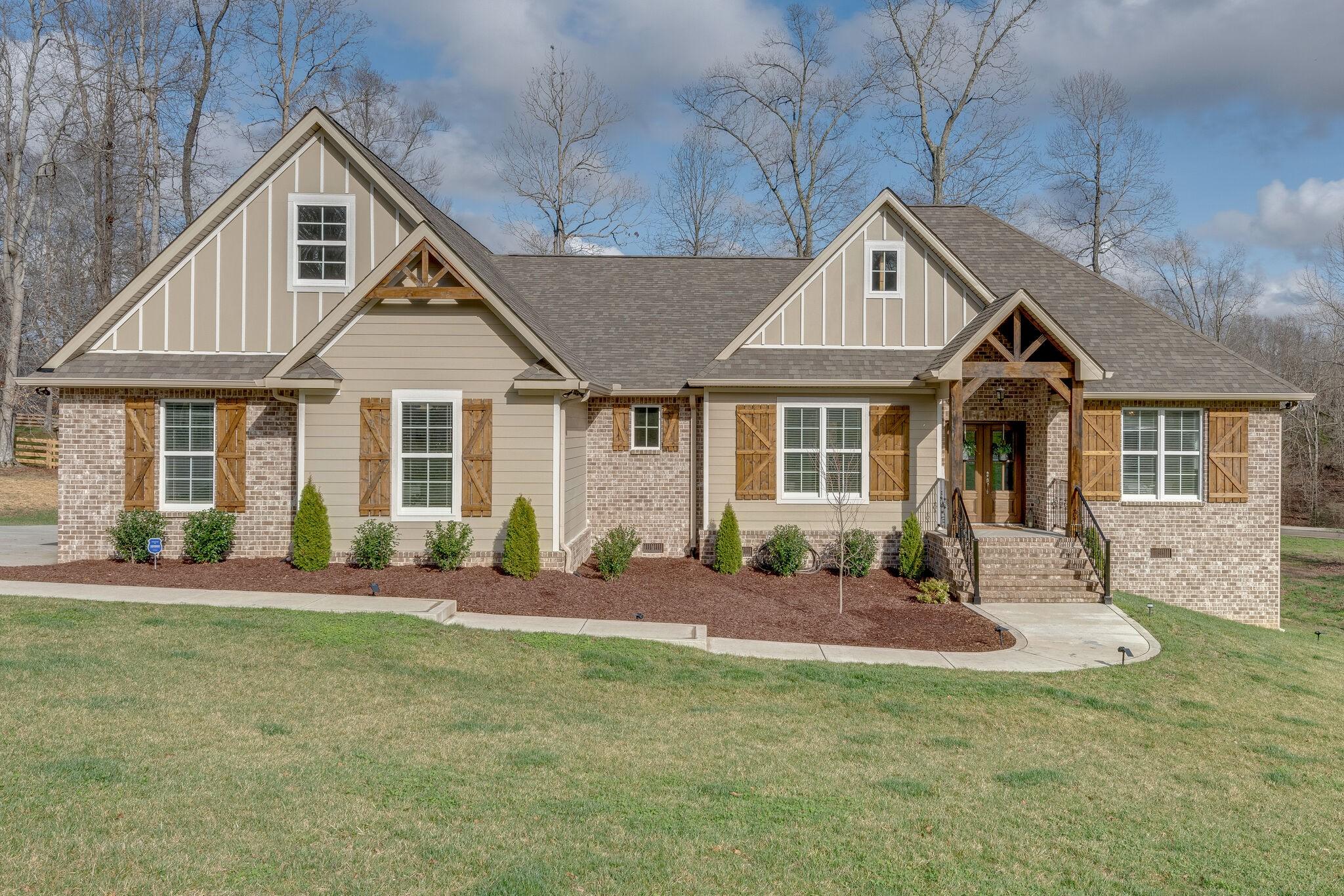 505 Aberdeen Way Property Photo - Burns, TN real estate listing
