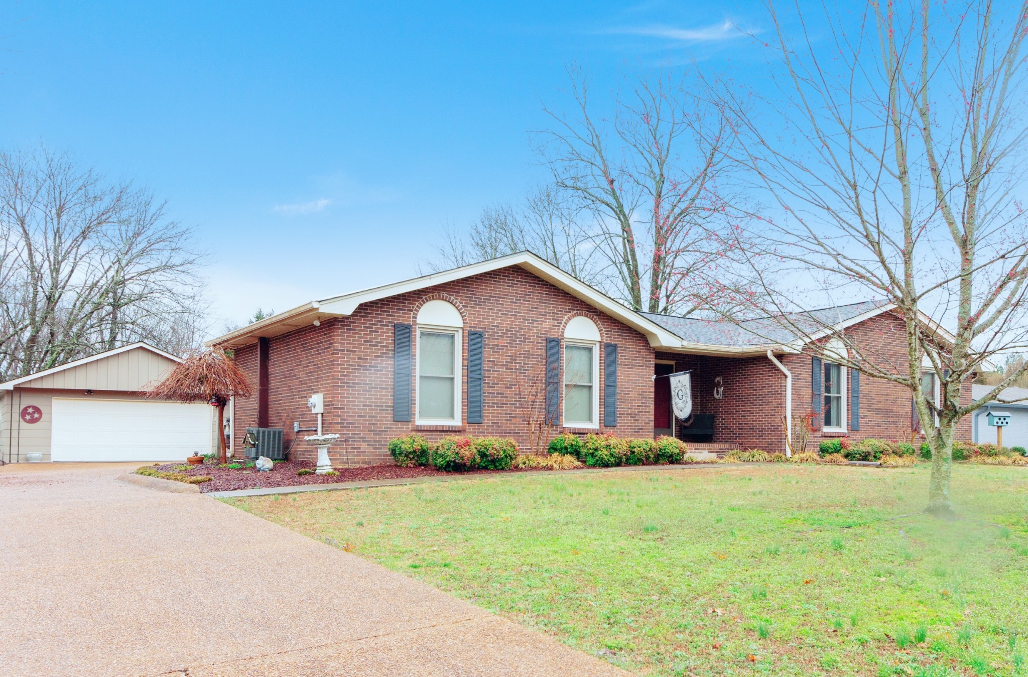 2503 Barwood Dr Property Photo - Greenbrier, TN real estate listing