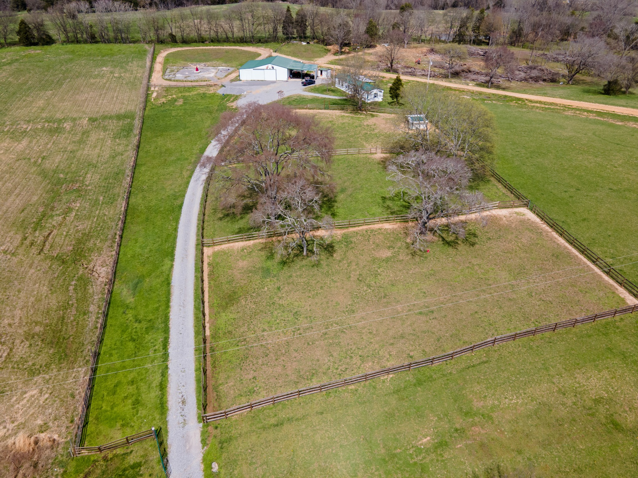 199 Fields Ln Property Photo - Bethpage, TN real estate listing