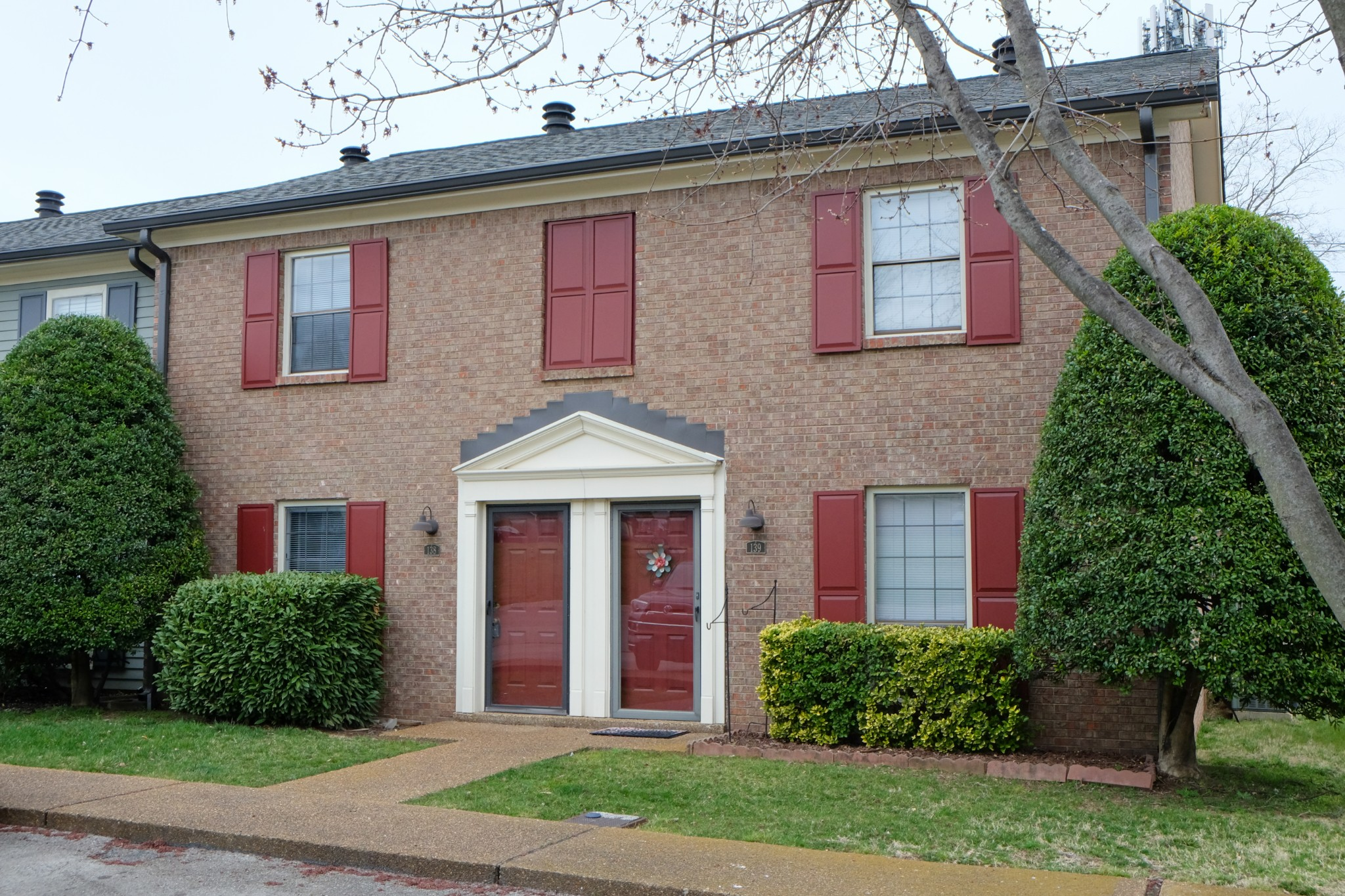 138 Academy Sq Property Photo - Nashville, TN real estate listing