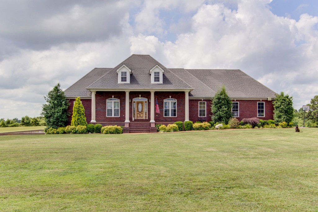 280 Colonial Rd Property Photo - Hohenwald, TN real estate listing