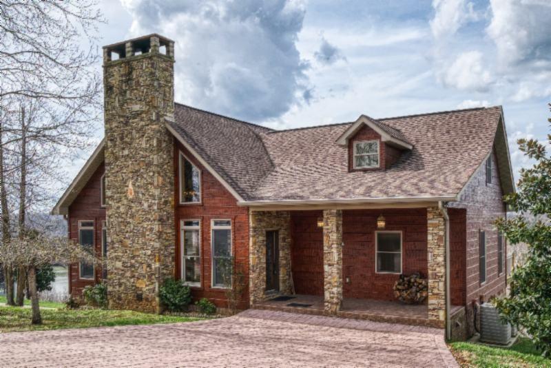 Byrdstown Real Estate Listings Main Image