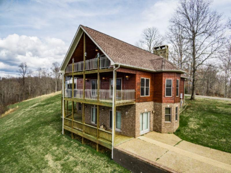 148 Cove Creek Est Property Photo - Byrdstown, TN real estate listing